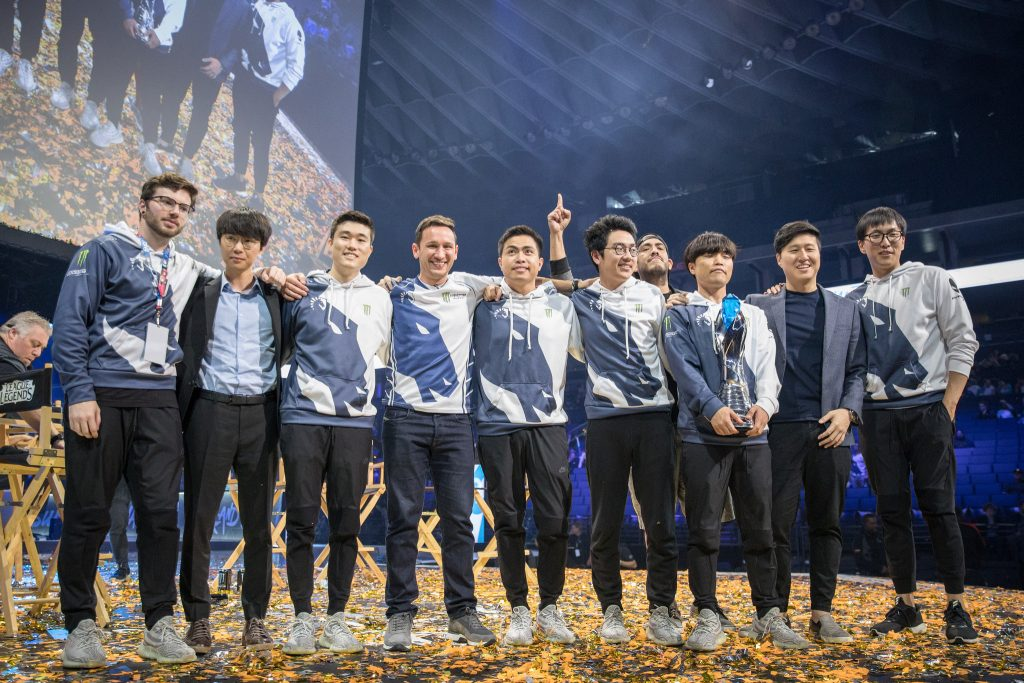 Team Liquid poses after defeating Cloud 9 easily to win the NA LCS Summer Split (Photo courtesy of Riot Games).
