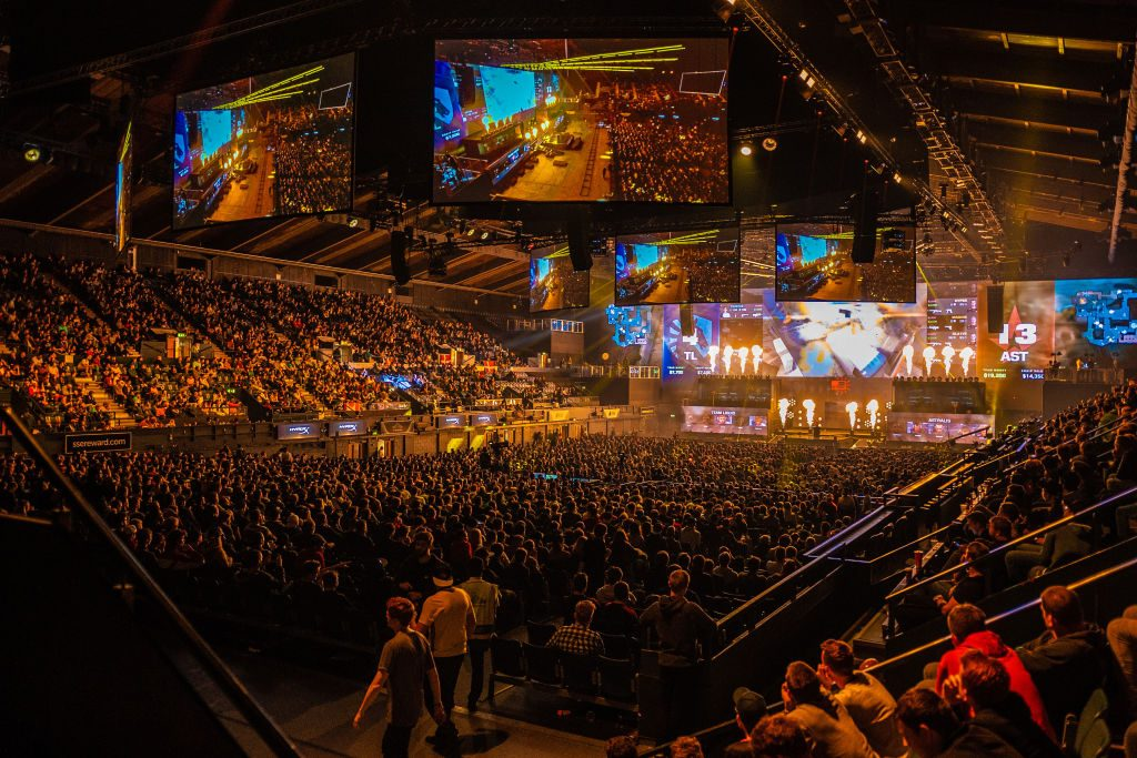 Fans enjoying CS:GO at FaceIt Major at The SSE Arena, Wembley (Photo courtesy of Getty Images)