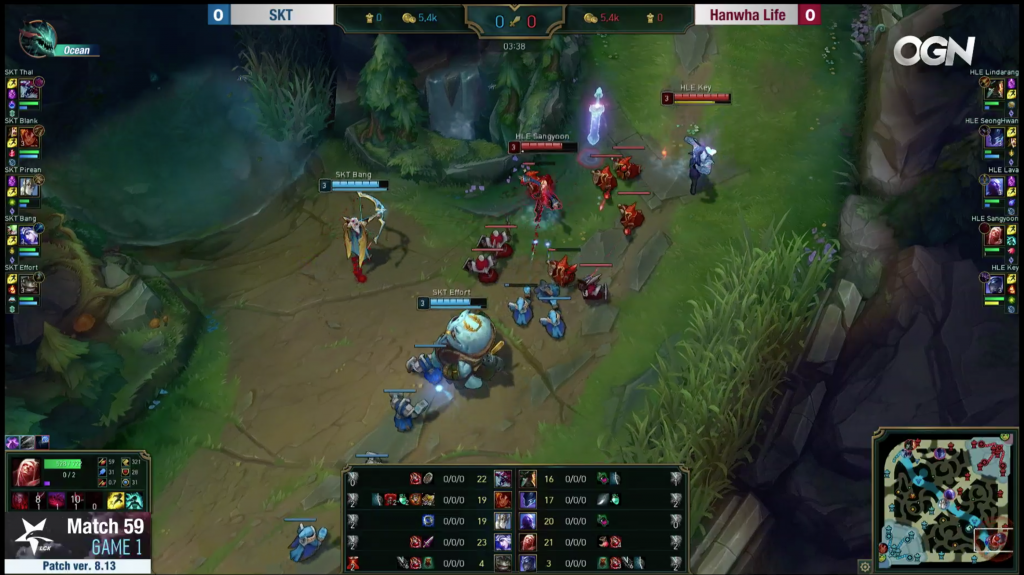 Key - Hanwha Life Esports - and Effort - SK Telecom - face off in a support battle on Summoner's Rift.
