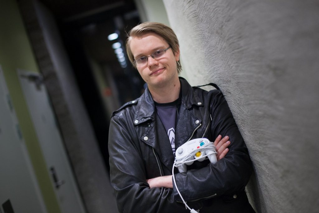 "Throughout his singles career, Armada walked away with 21 majors and managed to hold the title of ""best ranked player"" for four years."