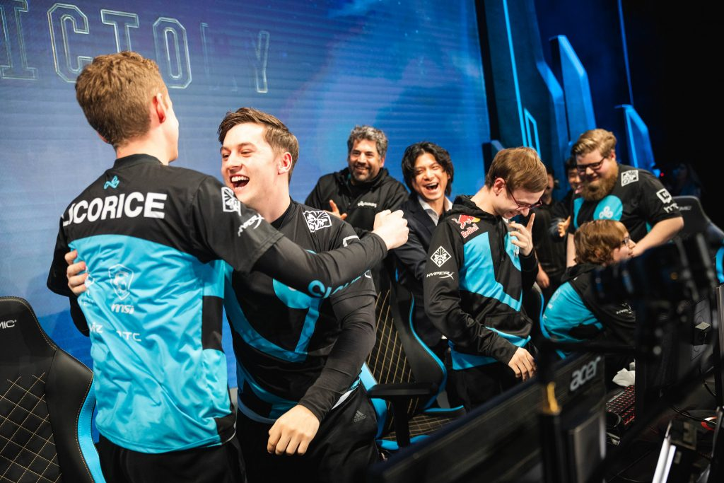 Cloud9 went on a miracle run to fight their way into the knockout stage.