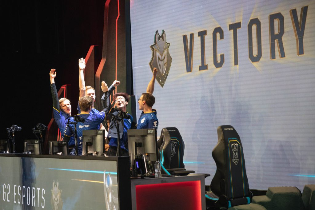 G2 pulled off the biggest upset of Day 4, topping the previously undefeated Flash Wolves.