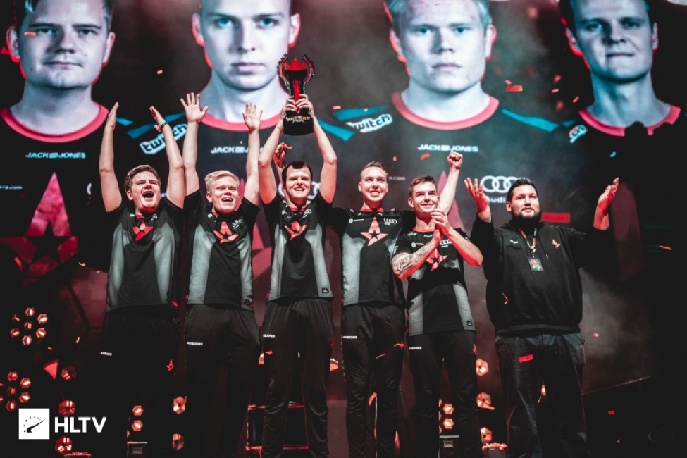 Astralis lifts trophy in victory