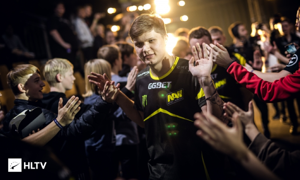 S1mple walks through a crowd of fans
