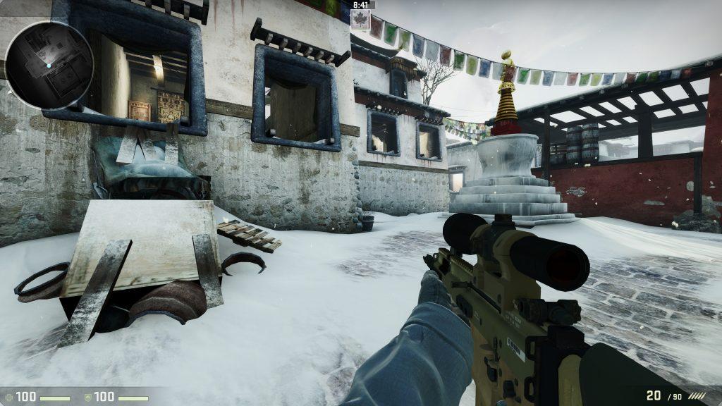 A player moves around CS:GO map Austria.