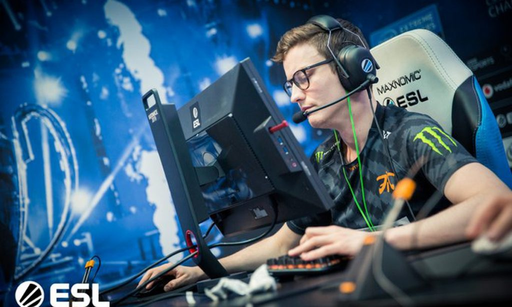 Arguably the biggest story coming off Day 1 at the Major is that of Fnatic being winless in their opening two bouts. (Photo courtesy of ESL)