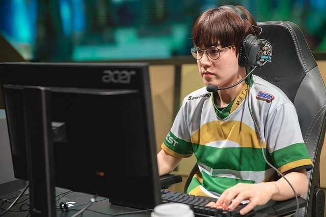 Flame's shotcalling has been vital to DAMWON's success.
