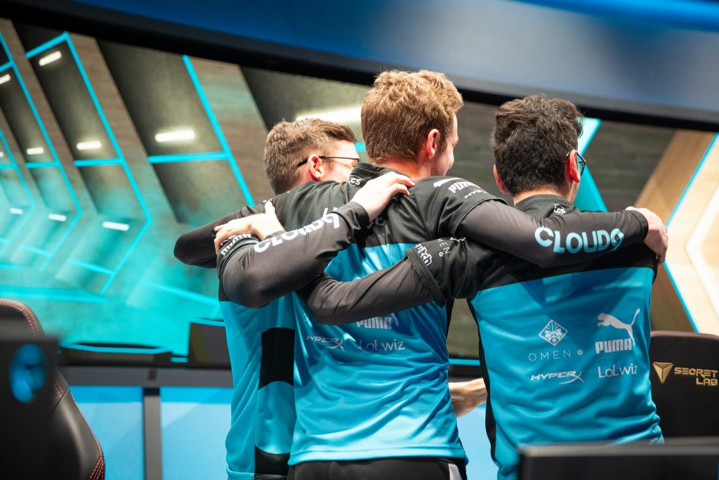 CP celebrate after their Week 6 LCS victory over TSM.