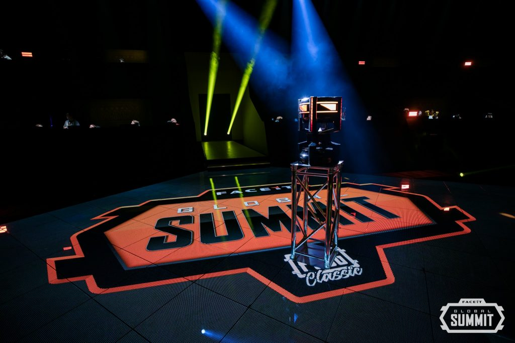 The stage is set at the FACEIT Global Summit: PUBG Classic. (Photo courtesy of @FACEITPUBG / Twitter)