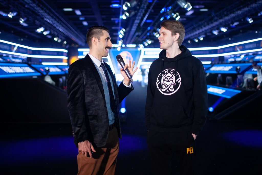 Moustache Dave interviews Skuijke, a member of ENCE, who are currently in first in PEL. (Photo courtesy of @PEL_esports/Twitter)