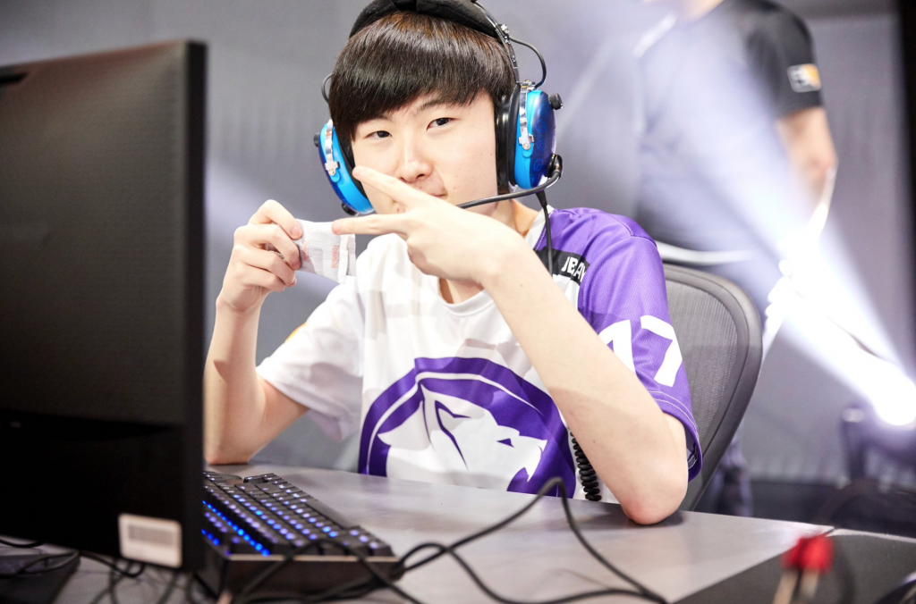Decay has brought a spark to the Los Angeles Gladiators lineup but he might not be enough to hide their past issues. (Image courtesy of OWL)