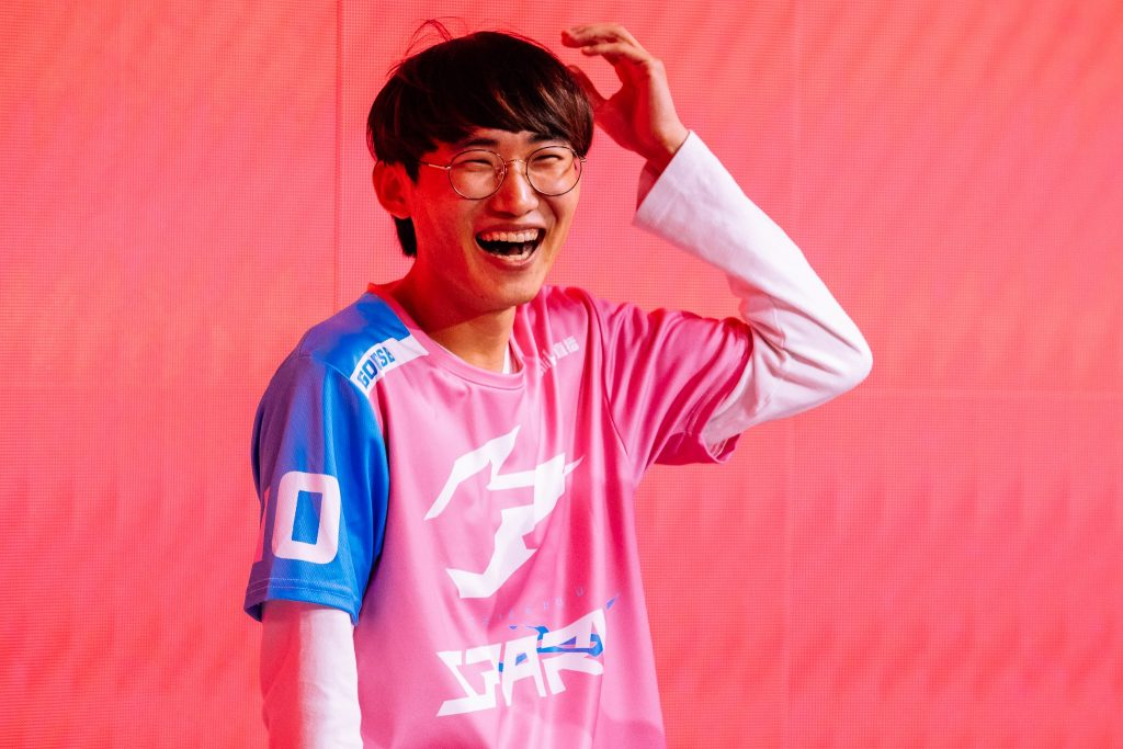 The Hangzhou Spark moved up from 13th place in Stage 1 to 7th in Stage 2. (Photo courtesy of Blizzard)