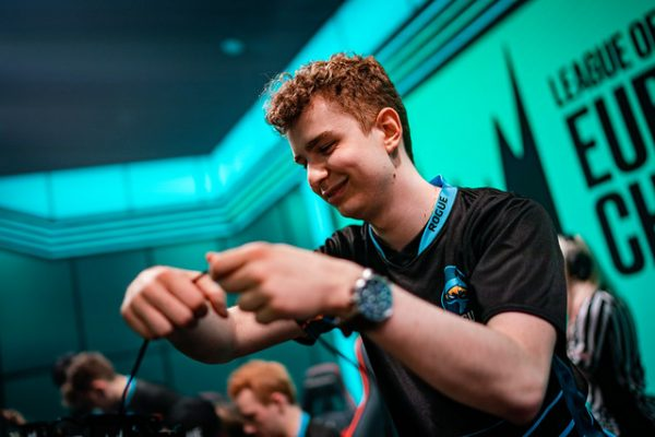 Young rookies may hold the key for Rogue in regards to reaching Summer playoffs. Image via Riot Games