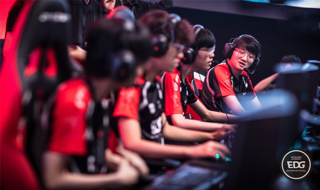 EDward Gaming and FunPlus Phoenix share the lead by the end of Week 2 in the LPL. (Image via EDward Gaming)