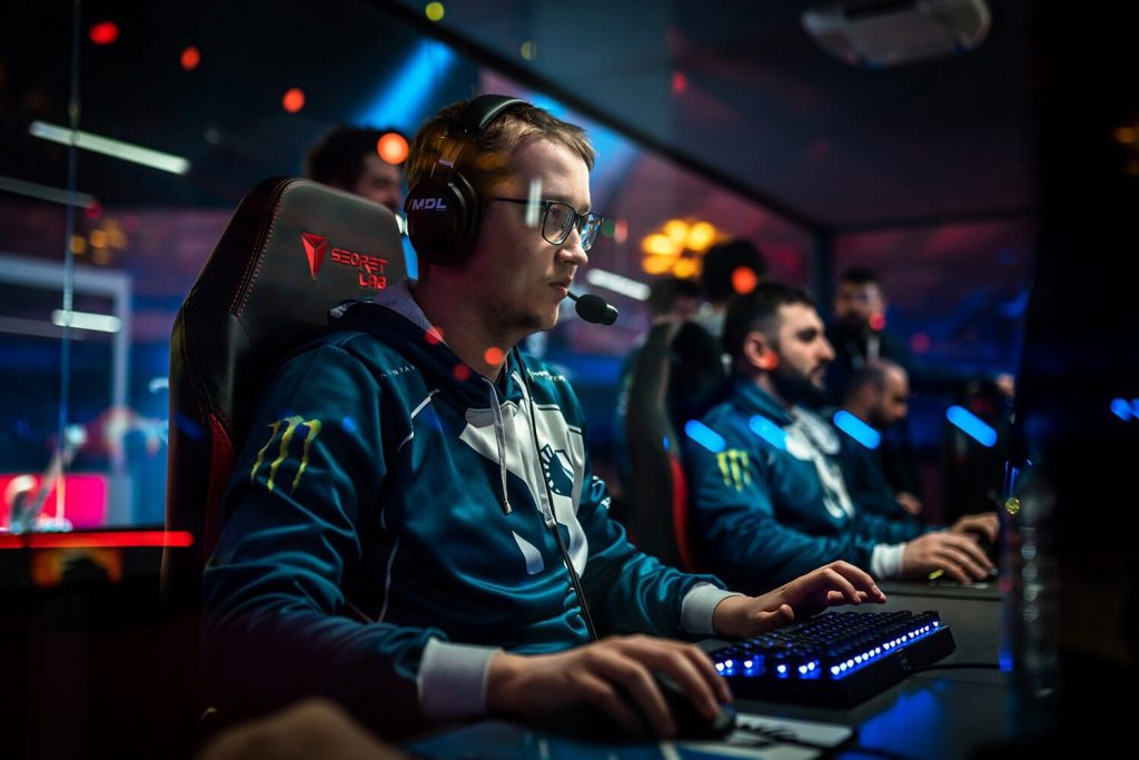 MATUMBAMAN departs Team Liquid with only weeks left in the Dota 2 Pro Circuit season. (Image via Team Liquid)