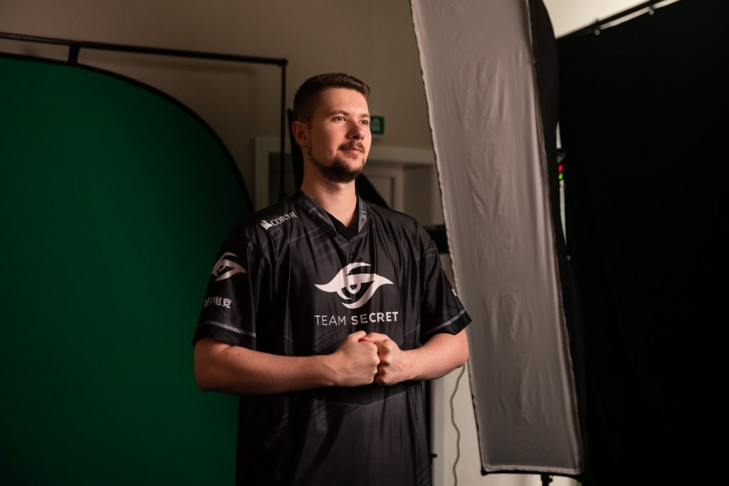 """Clement """"Puppey"""" Ivanov lead Team Secret to Group A victory at the EPICENTER Major. (Image via EPICENTER)"""