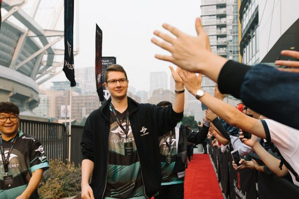 Team captain Puppey greeting the crowds at TI8. Image courtesy of Valve