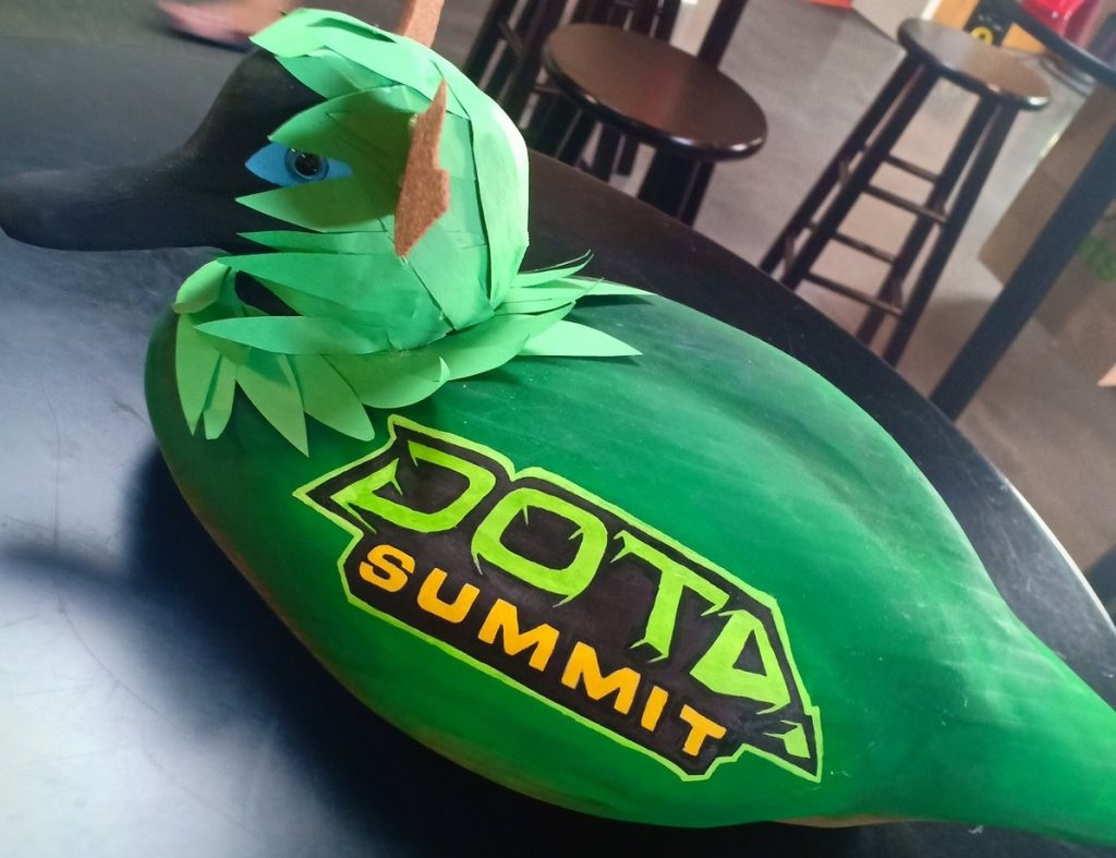 Alliance take home the trophy duck from Dota Summit 10. (Image via Kelly Ong/@kellymilkies / Twitter)