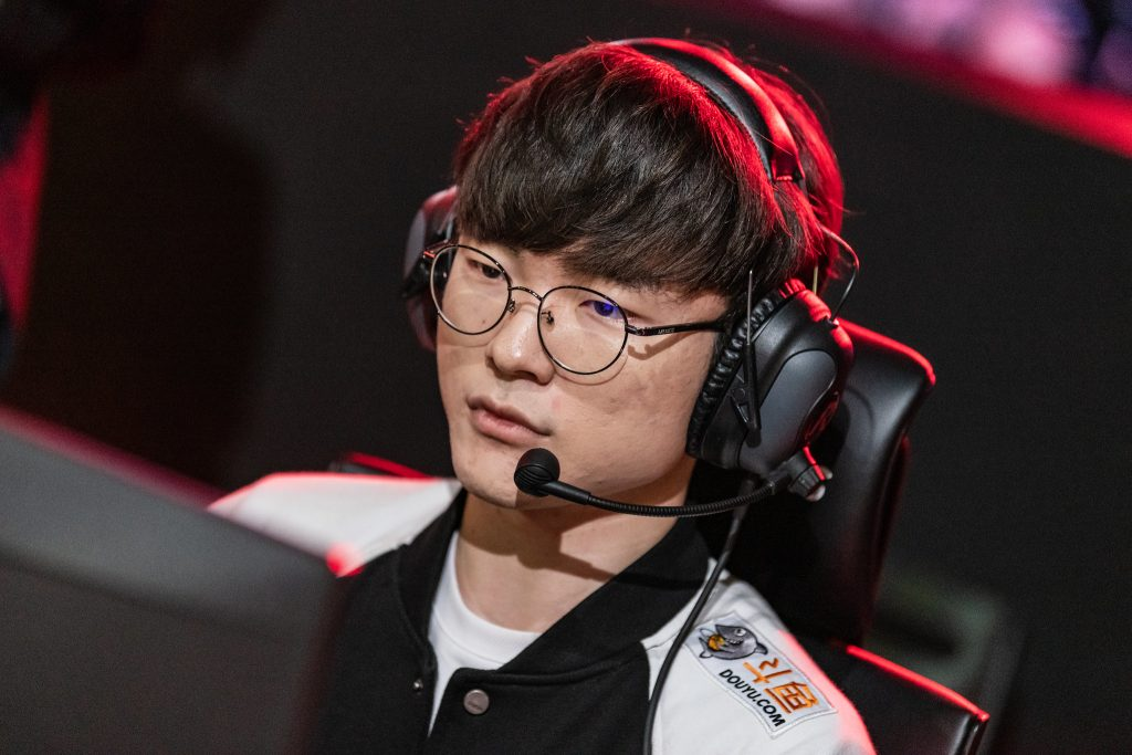 "Lee ""Faker"" Sang-hyeok has so far kept his promise to go undefeated in the second round of the LCK. Image via Riot Korea."