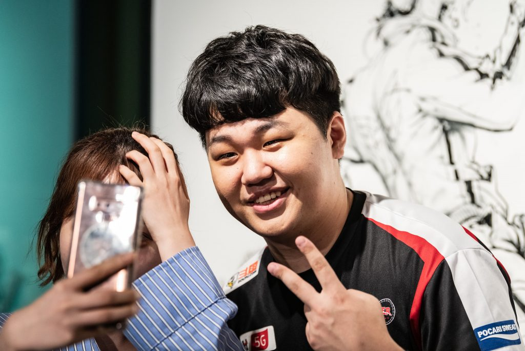 KT Rolster have edged away from the drop-zone with their first win since Week 2. Image via Riot Korea.