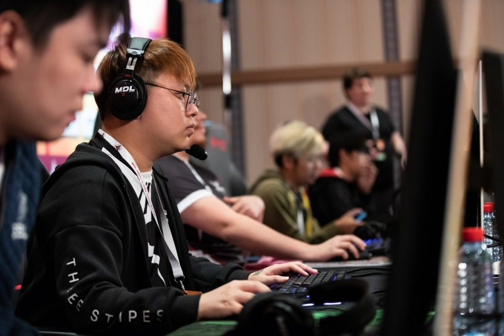 Mineski squeaked by in the group stage, heading to the playoffs in the SEA Qualifier for TI9. (Image via Mineski)