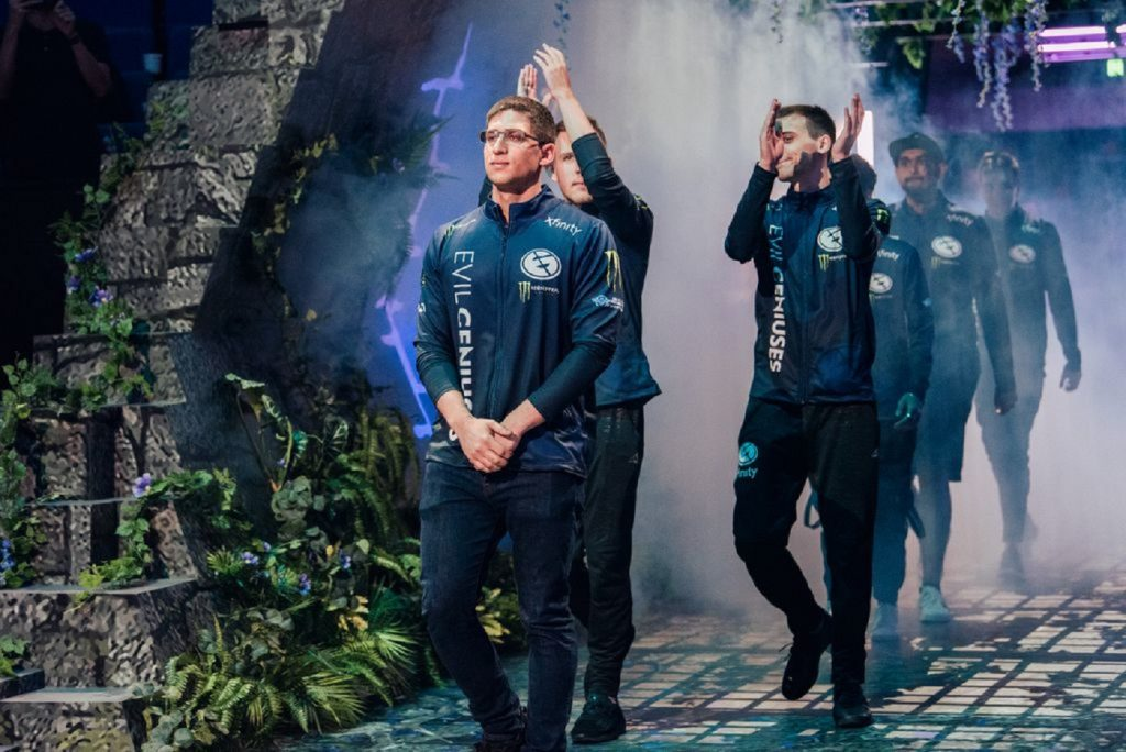 It was a hard fought victory for Evil Geniuses in their TI9 upper bracket match versus Team Secret. (Image via Valve)