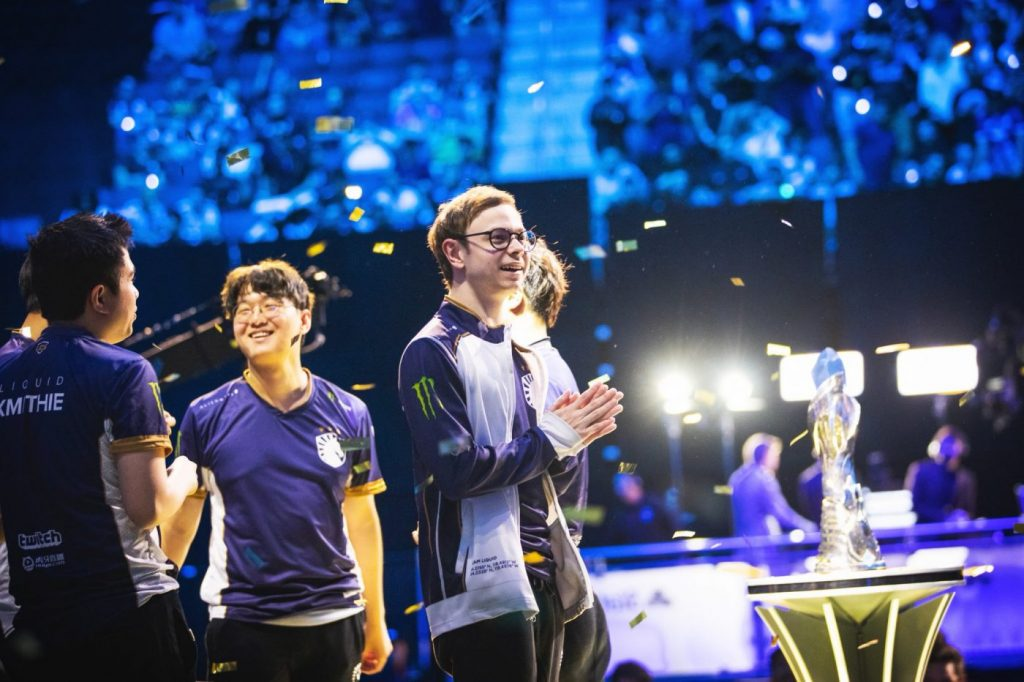 Team Liquid won the trophy at the LCS Summer Finals. (Image via Riot Games)