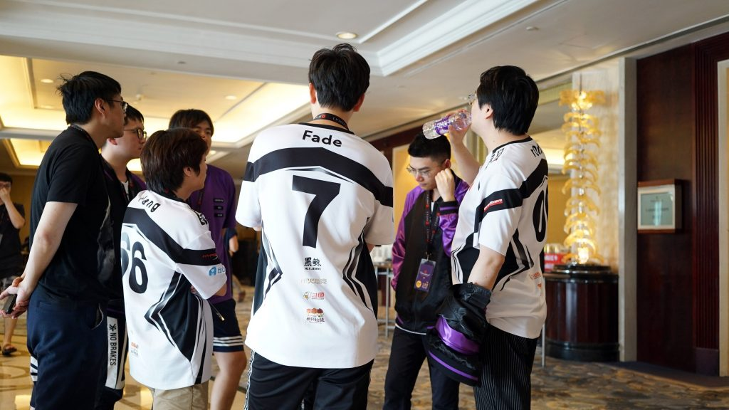 Vici Gaming and Team Secret are the only two Dota 2 teams with a perfect record on day one of TI9. Winners, certainly! (Image via Vici Gaming)