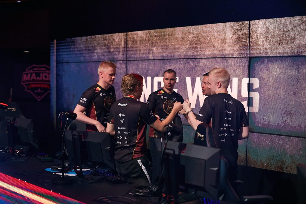 ENCE during the Legends Stage of the Berlin Major