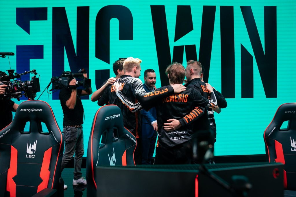 Can Fnatic win it all this year after a crushing defeat in the Worlds Finals last year? (Image via Riot Games)