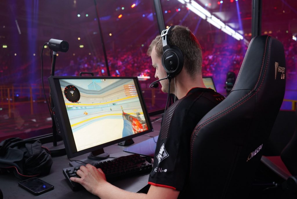 Astralis advances at CS:GO Major