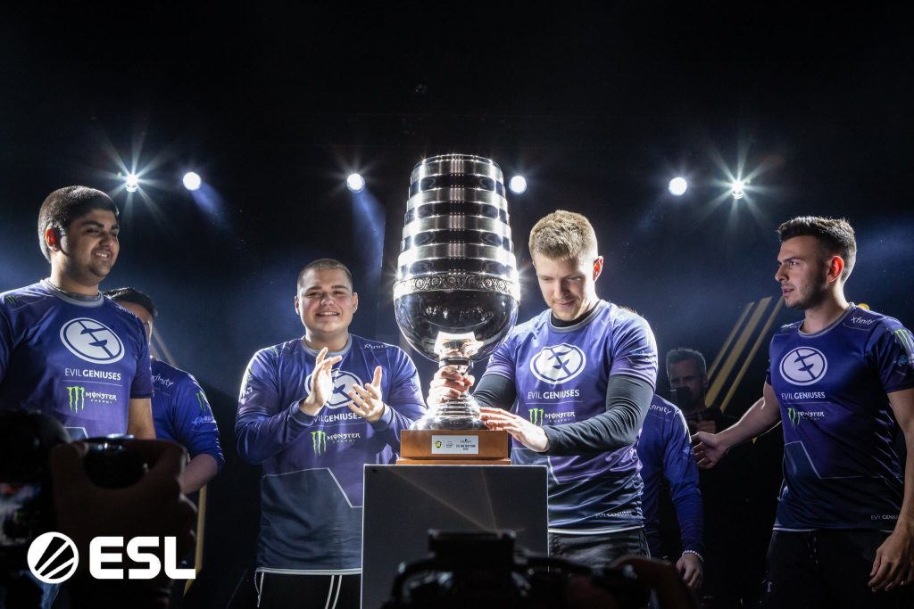 In the first event with their new org, Evil Geniuses claimed the ESL One New York Trophy (Photo via @CarltonBeener/Twitter)