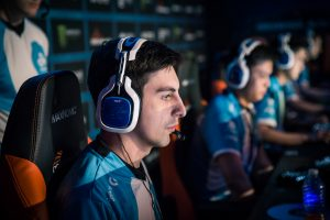 Shroud Joins Ninja with His Own Mixer Exclusivity Deal