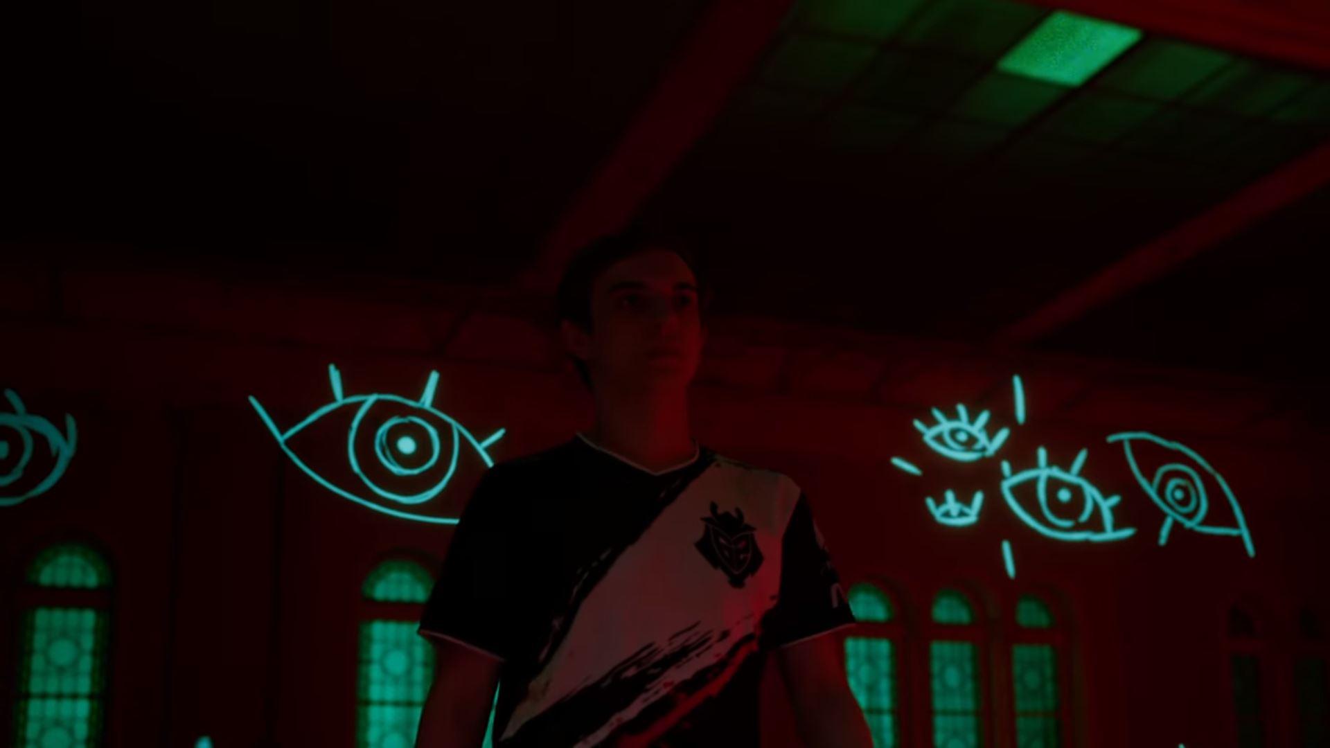 Caps standing in a dark room