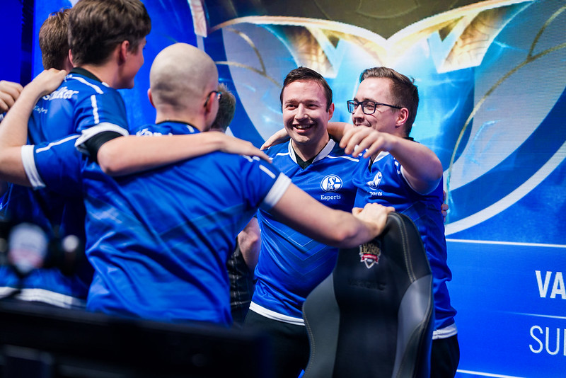 After failing to get over the hump with Unicorns of Love, Vizicsacsi joined Schalke 04 (Photo via Riot Games)
