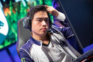 Xmithie - arguably the best jungler in NA - will be on a new roster next season (Photo via Riot Games)