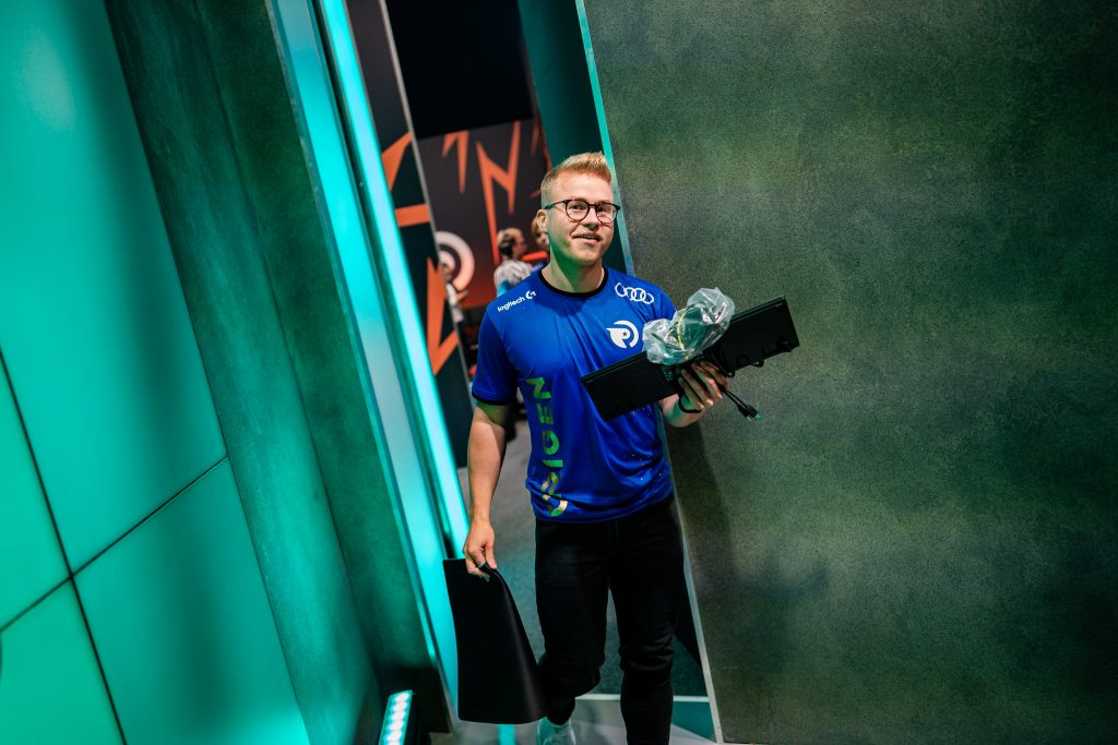 Origen jungler Kold has officially parted ways with the organization and will be replaced by Xerxe (Photo via Michal Konkol/ Riot Games)