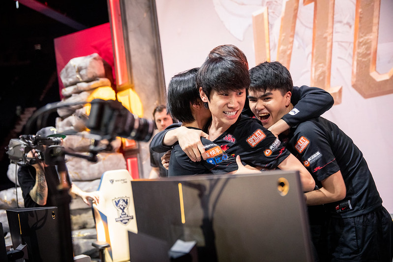 FPX did what SKT could not: closeout leads against G2 Esports to win the Worlds 2019 Finals (Photo via Colin Young-Wolff/Riot Games)