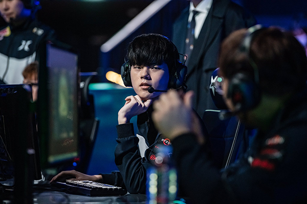 DragonX look to rebound from a disappointing season with a new roster at the KeSPA Cup (Photo via Korizon)