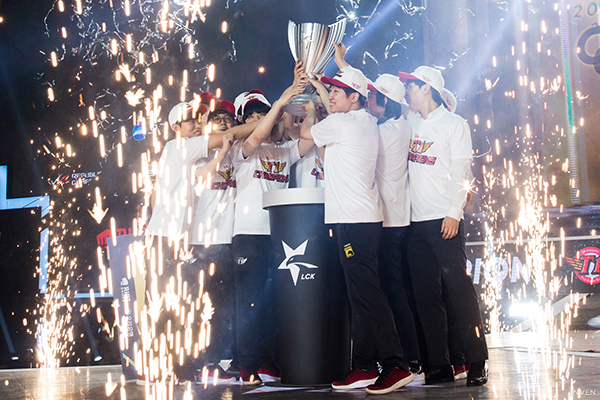 T1 hope to continue their domestic success from last year (Photo via Inven Global)