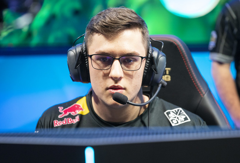 Evil Geniuses had a huge offseason highlighted by the signing of 2019 LCS Summer MVP Svenskeren (Photo via Riot Games)