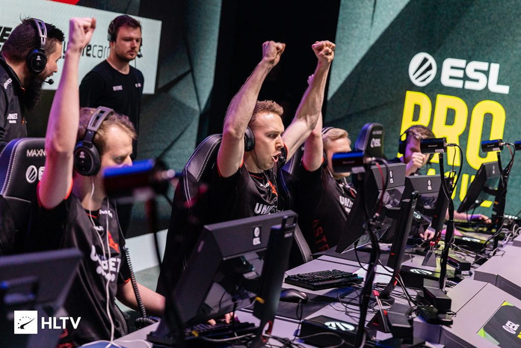 Astralis have earned the top seed in Group A thanks to some help from ENCE (Photo via HLTV)