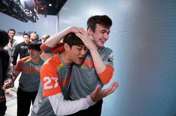 San Francisco Shock player Super celebrates winning