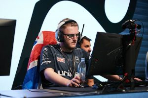 c0ntact Gaming Sign Smooya and Spinx as Trials
