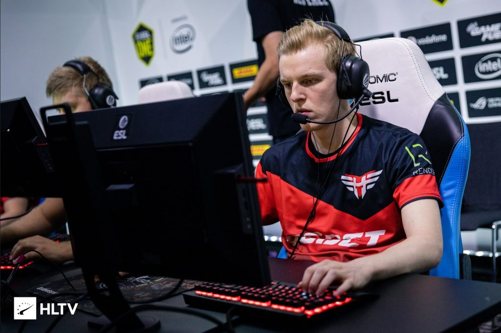 NaToSaphiX will be Complexity's fifth man for their ESL Pro League S12 playoffs run (Photo via HLTV)