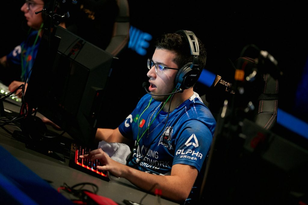 leo_drk is one of the promising Brazilian CS:GO talents joining MiBR as a temporary player (Photo via StarLadder)
